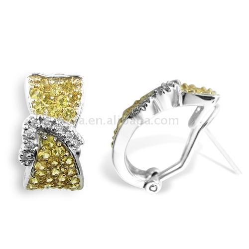 18K Gold Diamond Earring (18K Gold Diamond Earring)