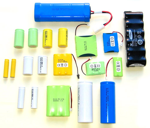 Ni-Cd Or Ni-MH Rechargeable Battery (Ni-Cd или Ni-MH аккумулятор)