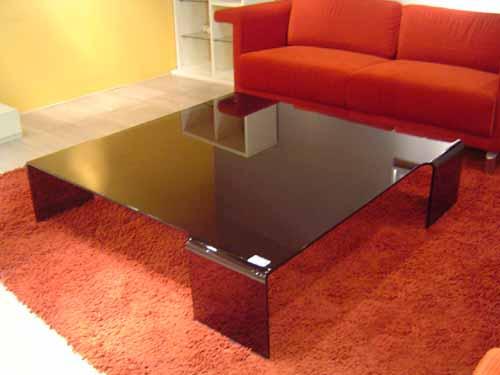 Glass Table (Стекло таблице)
