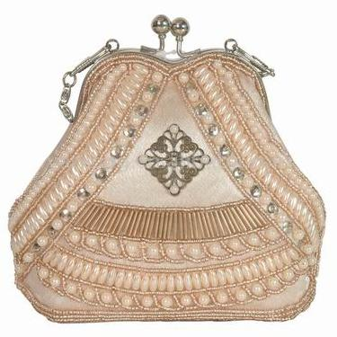 Сумки из бисера.  Ladies beaded bagsWell decorated with outside glass beadsInside cell-phone pocketSize...