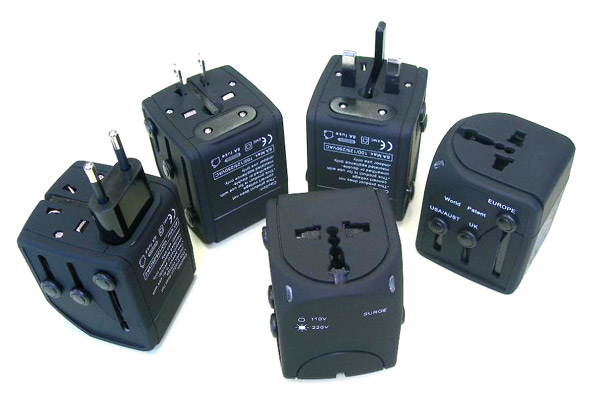 Multi-National Plugs Adapter (Multi-National Jacks adaptateur)