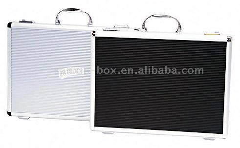 Briefcase (Портфель)