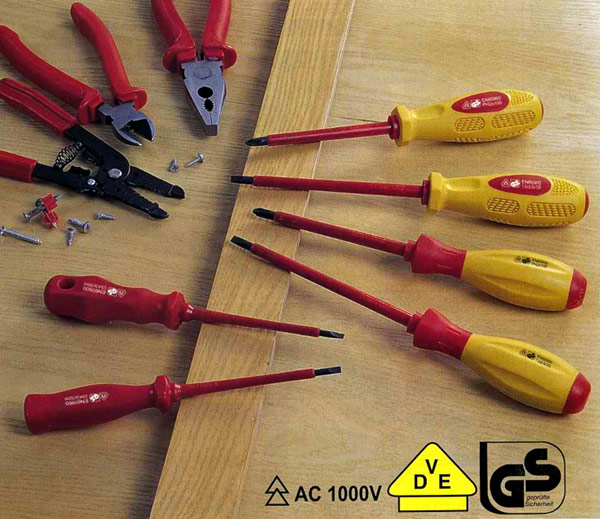 Electrician`s Screwdriver (Электрик`s Отвертка)