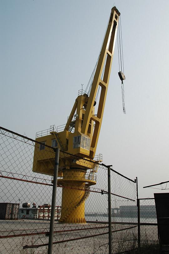 GQ Circular Rounding Fixed Base Crane