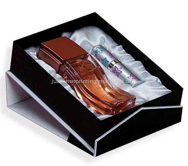 Cosmetic box (Косметические окне)