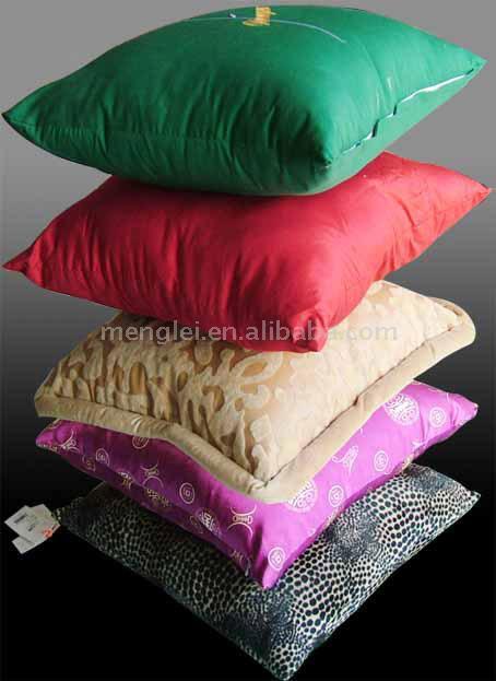 Satin Cushion (Атласные Подушка)