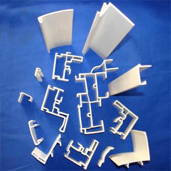 Shaped Materials for Vertically-Movable Windows (En forme de matériaux pour Windows mobile verticalement)