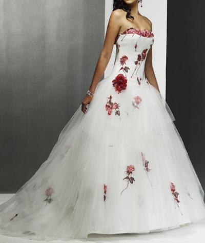 Как украсить своими руками свадебное платье