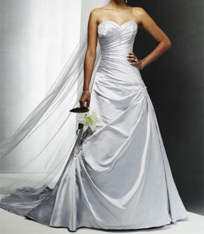 Цветное свадебное плптье А-силуэт с церковным шлейфом...