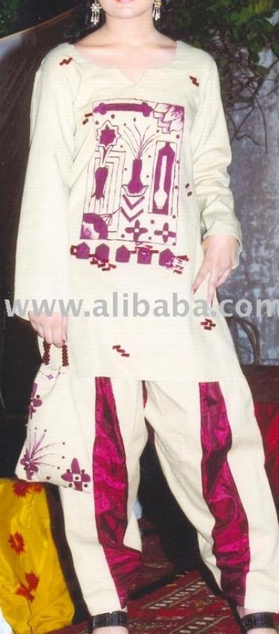 Skin And Maroon Khadar Cotton Dresses (Кожа и маронов Хадар ситцевых платьях)