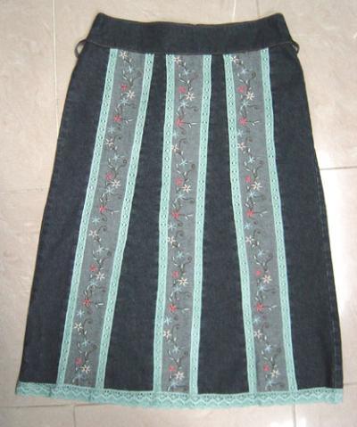 Denim Skirt With Lace Trims And Embroidery (Джинсовая юбка с кружевом подравнивает и вышивка)