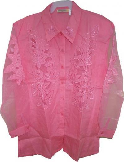 вышивка на блузе.