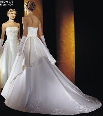 Elegant Wedding Dresses Look Like a Princess on Your Special Day2