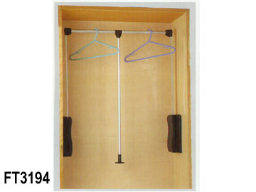 SWIVEL TYPE CLOTH HANGER (SWIVEL TYPE DE TISSU CINTRE)