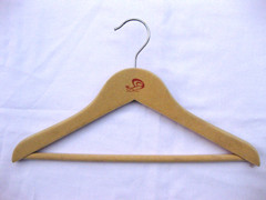 Kid's Tubular Hanger with Clips in Natural ()