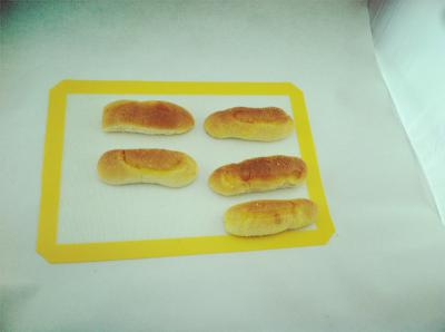Heat resistant table silicone baking mat ()