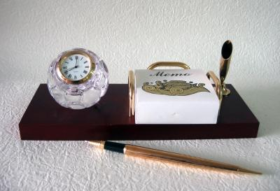 Crystal Clock and memo desk pen set