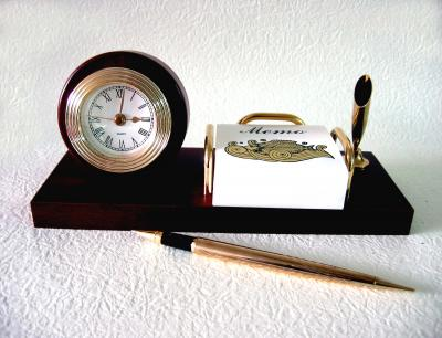 Desk clock with memo desk pen set