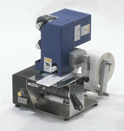 Label Dispenser With Hot Stamping Coder, coding machine (Label Distributeur avec Hot Stamping Coder, le codage machine)