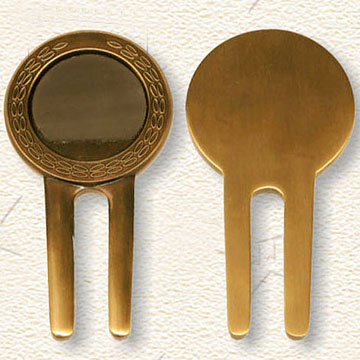 Metal Golf Divot Tool in Golden Plating, Customer`s Designs are Welcome (Metal Fourchette de golf Outil à Golden Plating, des dessins du client sont les)