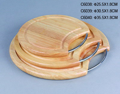 ROUND CUTTING BOARD W/CHROME HANDLE (ROUND SCHNEIDEBRETT W / CHROME HANDLE)