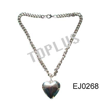 Necklace (Collier)